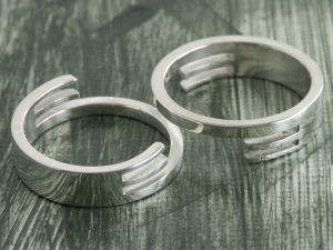 Interlocking Rings 1