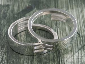 Interlocking Rings 2