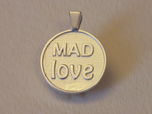 MAD LOVE pendant