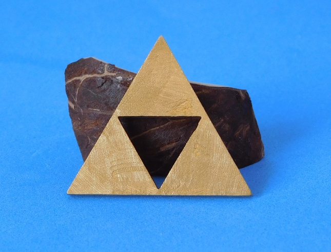 tri-force pendant brass 2